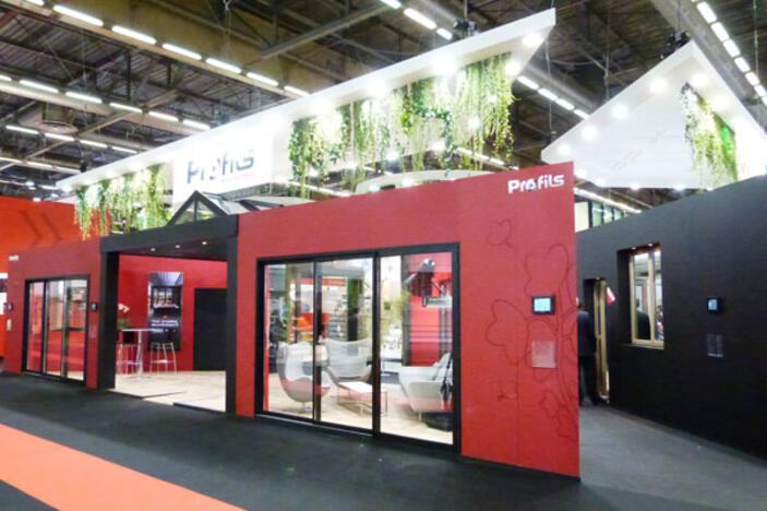 Red couvrez le stand profils syst mes sur batimat 2013 for Menuiserie stand