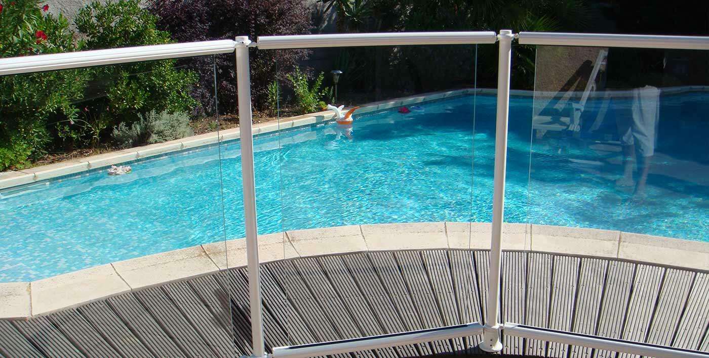 Barri re de piscine aluminium pacoha garde corps for Barriere de protection piscine